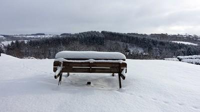 snow-2010350_640