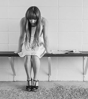 1 worried-girl-413690_640